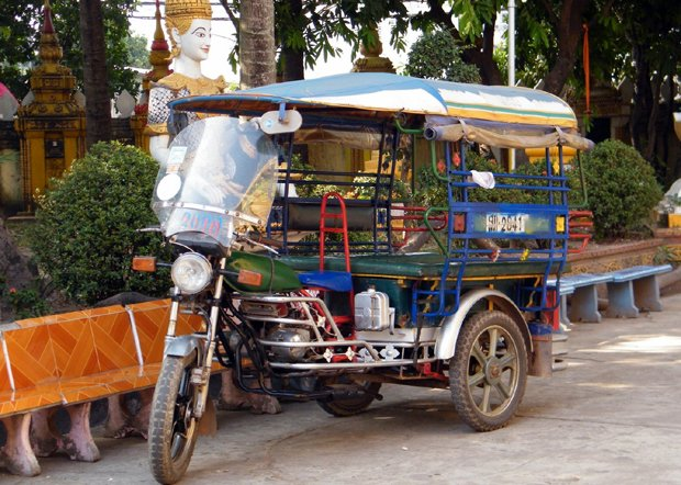 Tuk-tuk au Laos. DR
