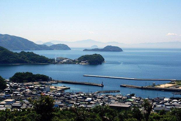Les îles de la mer de Seto accueillent la Triennale de Setouchi, manifestation renommée d'art contemporain. Copyright : Wikimedia
