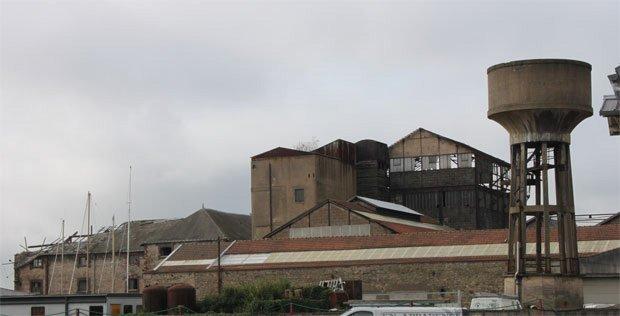 Les locaux des anciens chantiers Dubigeon à Nantes, un lieu à investir par le recyclage. © Sandra Pelletier