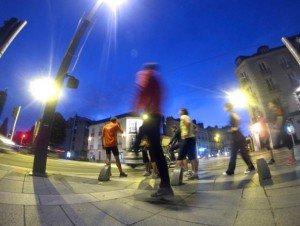 De plus en plus de sportifs quittent les équipements spécifiques pour envahir l'espace urbain. ©Thibaut Rouganne