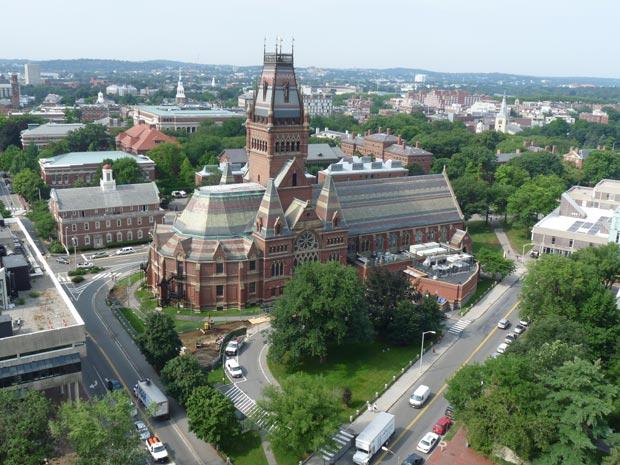 Près de 25% des habitants de Cambridge, dans le Massachusetts (siège de Harvard et du MIT), se rendent au travail à pied. Copyright : Frederick Questier & Yanna Van Wesemael / CC