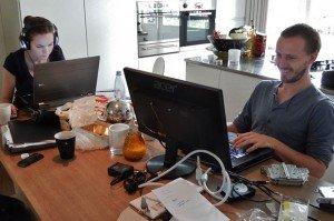 Il est souvent plus pratique et moins cher de louer le salon d'un particulier qu'un bureau dans un espace de coworking. Copyright : Michael Coughlan / Flickr