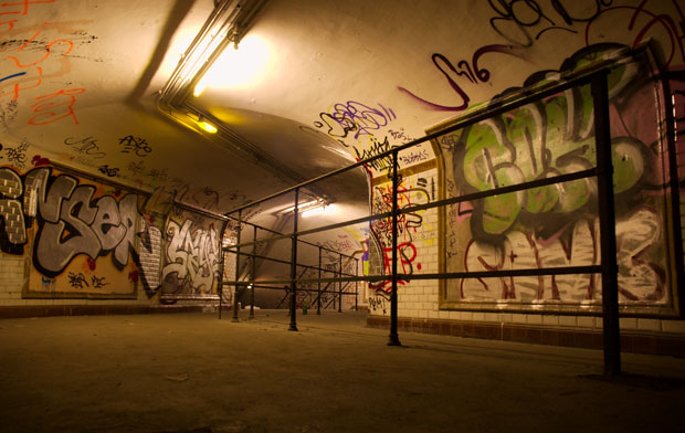 Saint-Martin, l'une des sept stations fantômes du métro parisien.  Copyright : jd / Wikimedia