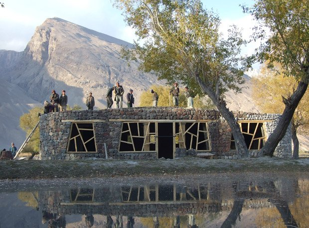 Le pavillon d'accueil de Wakan, dans le parc national de Pamir (Afghanistan). Copyright : Afir Architects