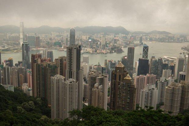 Hongkong, un paysage dessiné par des centaines de verticales qui surgissent le long de la côte - crédits Antoine Dubois