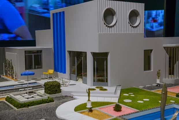La maison Arpel, projection architecturale d'une société où la machine facilite la vie de l'Homme.  Copyright : Andrea Avezzù / Courtesy la Biennale di Venezia