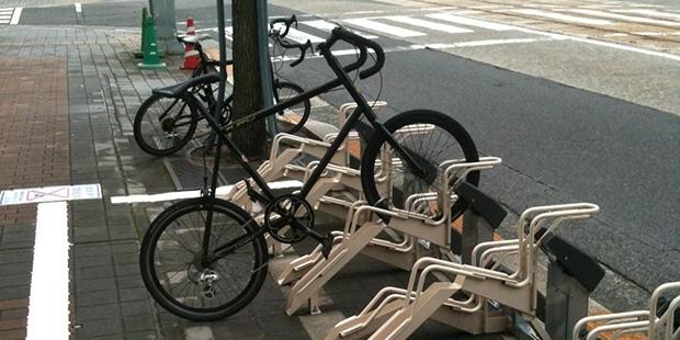 rangement vélo ; Copyright : Margot Baldassi