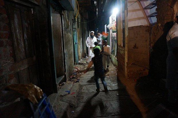 Bidonville soir - Mumbai. Crédits : Clément Pairot