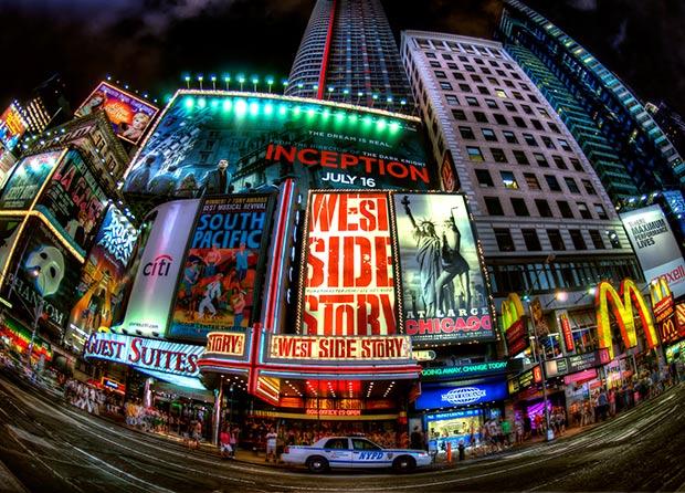 Times Square - New York. Copyright : Randy Lemoine / Flickr
