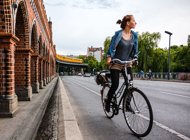 Cycliste Berlinoise. Copyright : Daniel Foster / Flickr