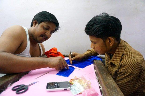 Le petit artisanat  est une source de revenus traditionnelle de nombreux foyers. Crédits : Clément Pairot