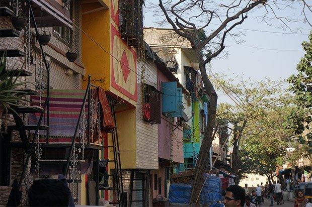 A Dharavi la construction d'une maison prend en moyenne 35 jours. Crédits : Clément Pairot
