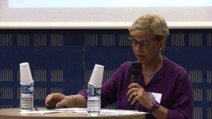 Intervention de Michèle Pappalardo, co-animatrice du réseau Vivapolis, lors de l'université d'été de la fondation E5T. Copyright : Youtube