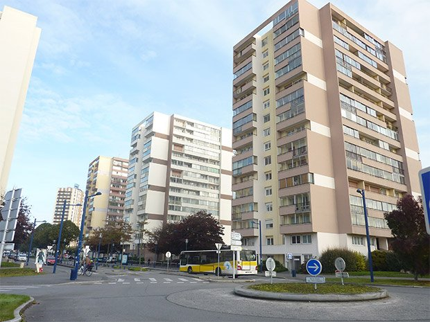 Les tours de la ZUP de Bellevue, à Brest. Copyright : Henri Moreau / Wikimedia