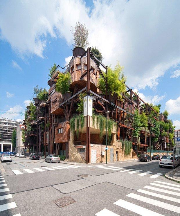 La maison-arbre conçue à Turin par l'architecte italien Luciano Pia entre 2007 et 2012, un exemple d'architecture écologique durable. © Beppe Giardino