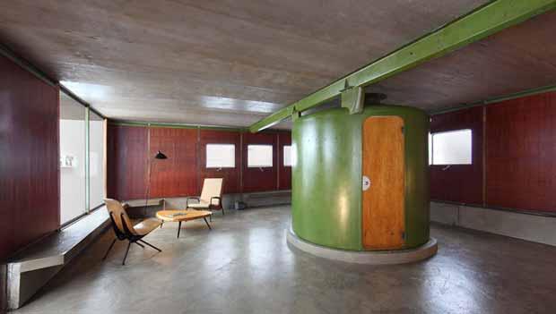 L'intérieur de la Maison des Jours Meilleurs montée en 2012 à la Galerie Patrick Seguin à Paris XIème © Galerie Patrick Seguin