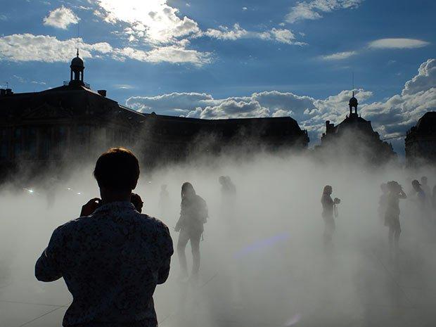Miroir eau quais Bordeaux
