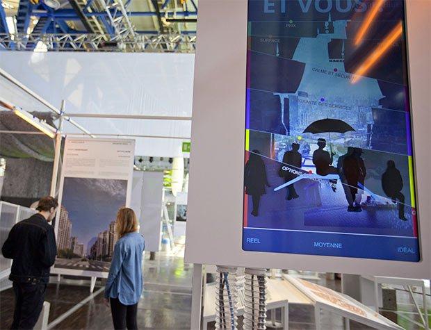 n-breton-exposition-visiteur-cite-sciences-batiment