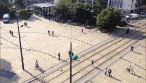 La Place de Bretagne à Nantes vit au rythme des migrations pendulaires (c) Gabriel Gavira