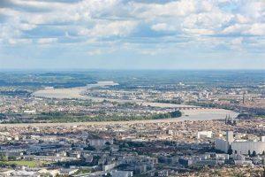 Vue aérienne de la ville de Bordeaux et de sa rocade