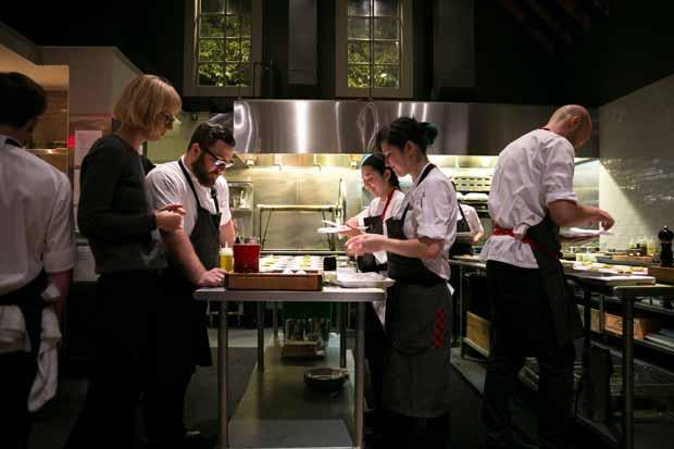 La cuisine est une pièce à vivre qui peut rassembler les habitants d'un logement collectif.