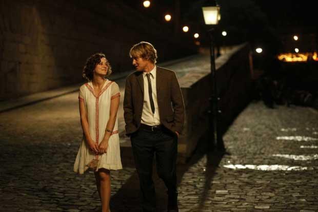 Le film Midnight in Paris valorise la flânerie dans Paris.