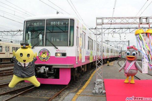 A gauche Funassyi (mascotte non-officielle - et pourtant très connue - de la ville de Funabashi). A droite : Kei-chan, l'une des mascottes la ligne de train Shin-Keisei (préfecture de Chiba)