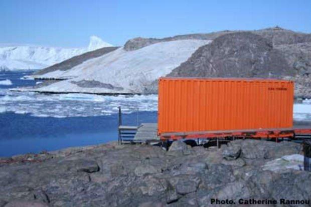 Logement en conteneur en Antarctique. Crédit photo : Catherine Rannou