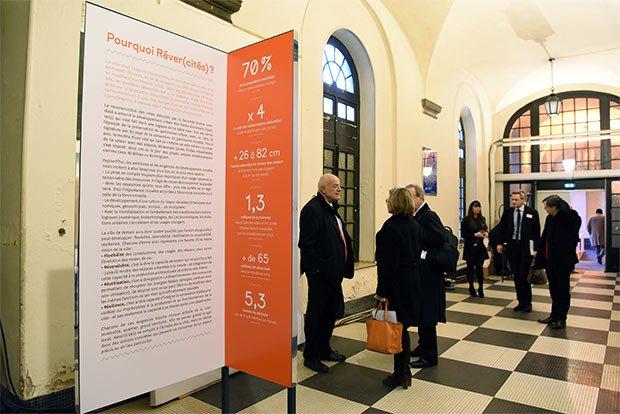 Panneau de l'exposition Réver(cités)