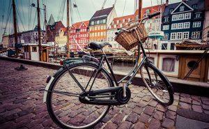 photo d un velo dans les rues de Copenhague