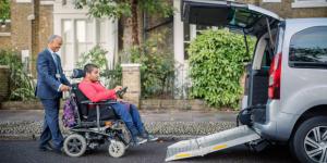 Transport de personnes à mobilités réduites par Uber