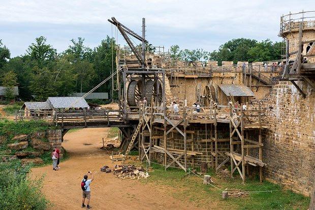 Le château de Guédelon (à Treigny dans l'Yonne) est un projet architectural - bébatut sur Flickr