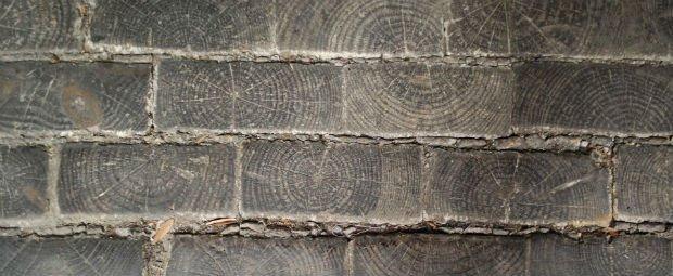 Des pavés en bois