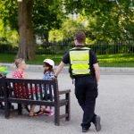 Agent de sécurité dans le parc Fitzroy
