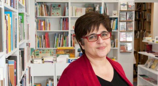 Sawsan Awada dans sa librairie