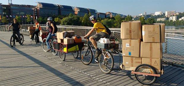 Les vélos-cargos peuvent même servir pour les déménagements en ville !