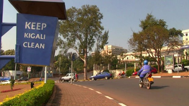 La politique de propreté de Kigali ne manque pas d'être rappelé dans les rues