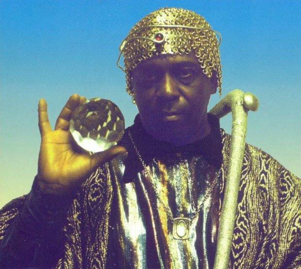 Sun Ra, musicien de jazz et père du mouvement afro-futuriste