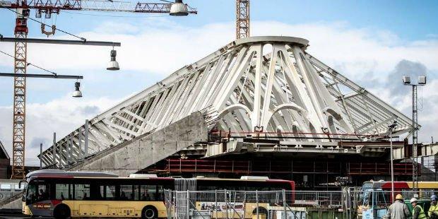 La gare de Mons par Santiago Calatrava a pris 2 ans de retard et eu une augmentation du budget