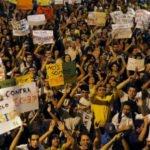 Manifestation contre l'augmentation du prix du ticket de bus en 2013 près de Rio de Janeiro.