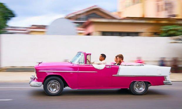 Rien que pour monter dans cette voiture il nous faudrait un GTA à La Havane