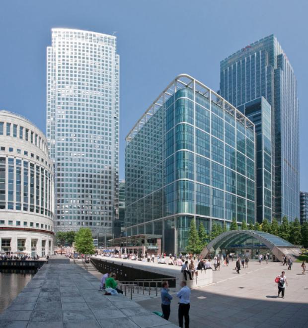 Les modes de travail génèrent des modes de ville, comme le démontre l'apparition de quartiers d'affaires, ici Canary Wharf à Londres