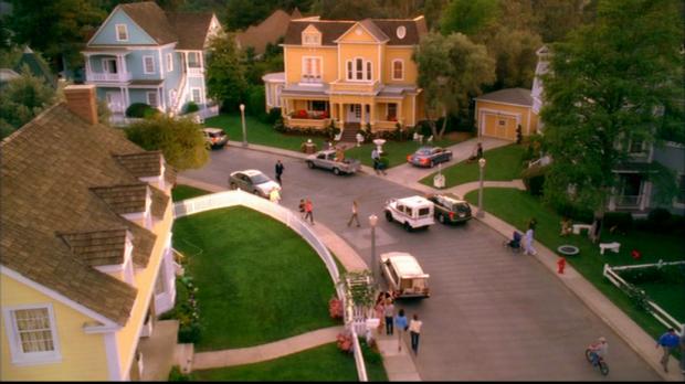 Wisteria Lane, ou le modèle typique des suburbs dans la série Desperate Housewives
