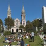 Dans le prolongement de l'église St Ambroise, le jardin Truillot est un exemple de percée au milieu d'un îlot