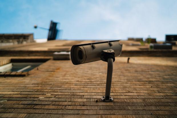 Installées dans les années 90, suite à des attentats de l'Armée républicaine irlandaise, les caméras sont omniprésentes à Londres.