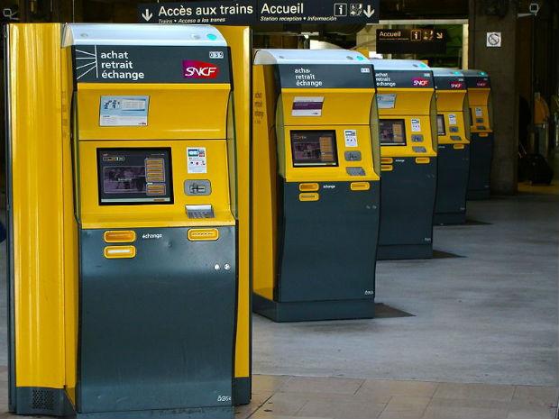 Les guichets numérique de la sncf remplacent peu à peu les agents en gare