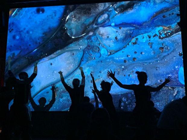 La programmation artistique permet d'éveiller les sens des visiteurs