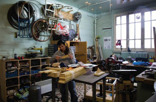 Atelier parisien du collectif pluridisciplinaire Curry Vavart qui organise aussi des spectacles.