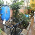 À Chennai en Inde, l'artificialisation des sols a empêché l'absorption des eaux de pluie par le sol, asséchant ainsi les stocks d'eau souterrains. Le programme RWH a permis de rétablir le cycle de l'eau grâce à la récupération des eaux de pluie et son injection dans le sol