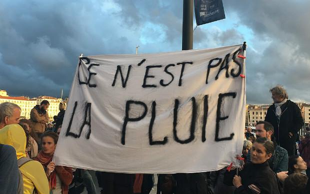 Réponse des marseillais au maire Jean-Claude Gaudin suite aux effondrements de la rue d'Aubagne